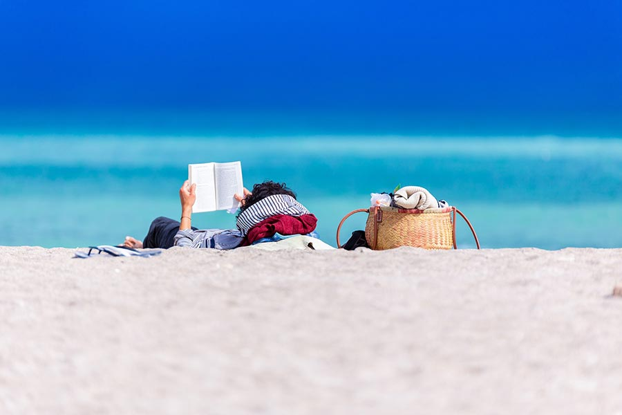 reading on the beach - reading list